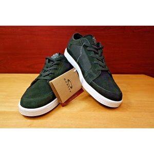 NWT Oakley Westcliff Blackout Mens Suede Shoes